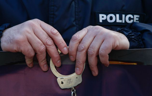 Officers filmed taking bribe, performing sexual act to be suspended