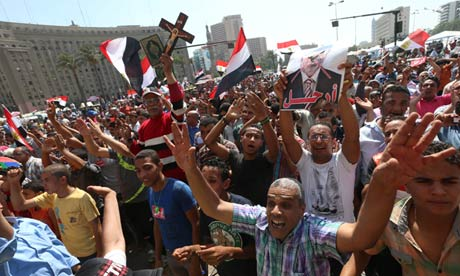 Egypt's Mohamed Morsi remains defiant as fears of civil war grow