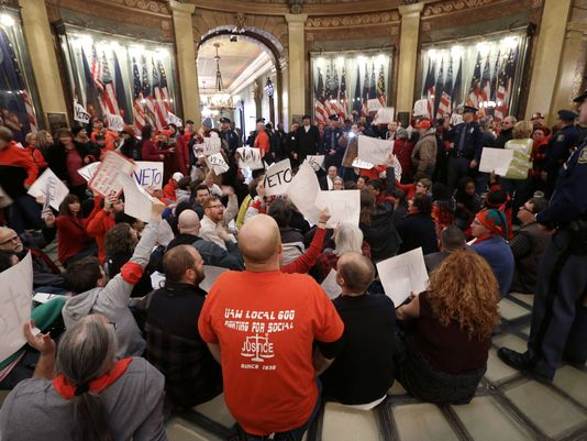 Testimony, e-mails shed light on right-to-work turmoil
