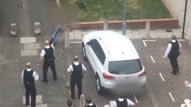 Police in Hackney, London taser attempted murder supsect after pepper spray fails