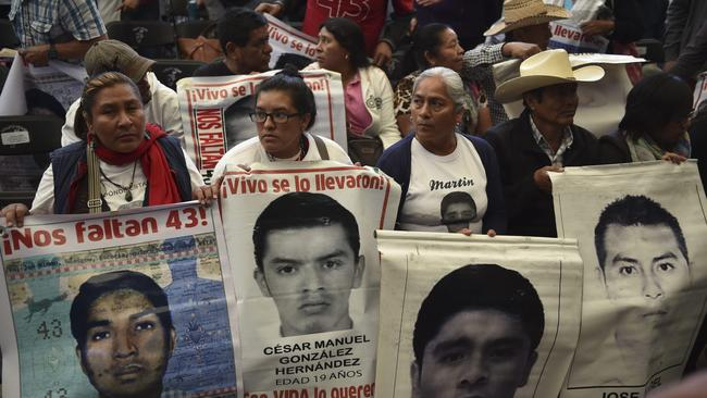 Mexican police tortured suspects in case of missing students, report says