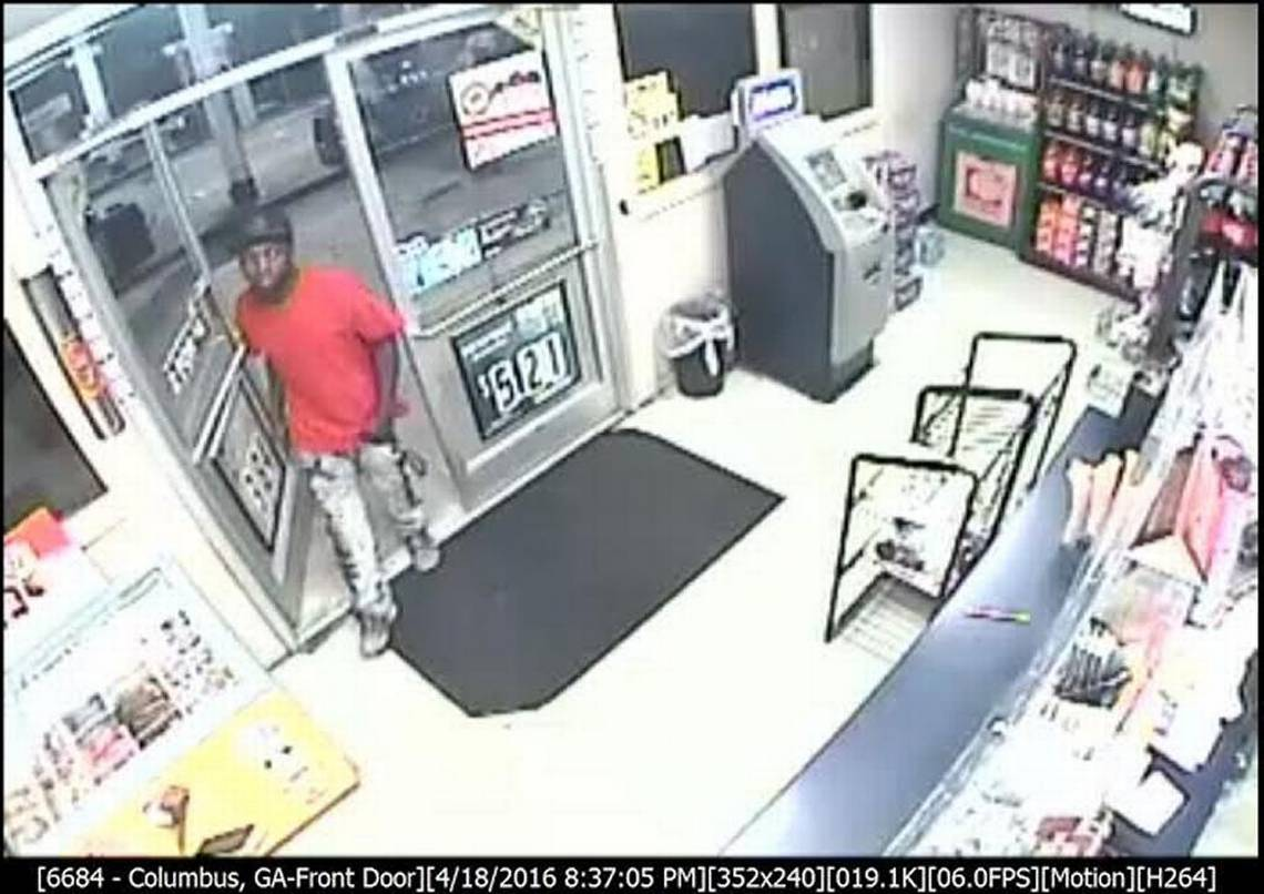 Police seek identity of Circle K robbery suspect caught on camera
