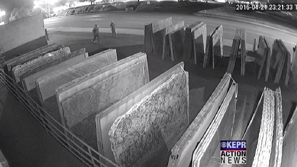 VIDEO: Richland police looking to identify two reported thieves caught on camera