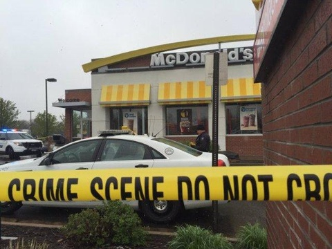 Man shot in wrist after refusing to leave restaurant